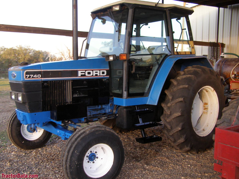 Ford 7740.