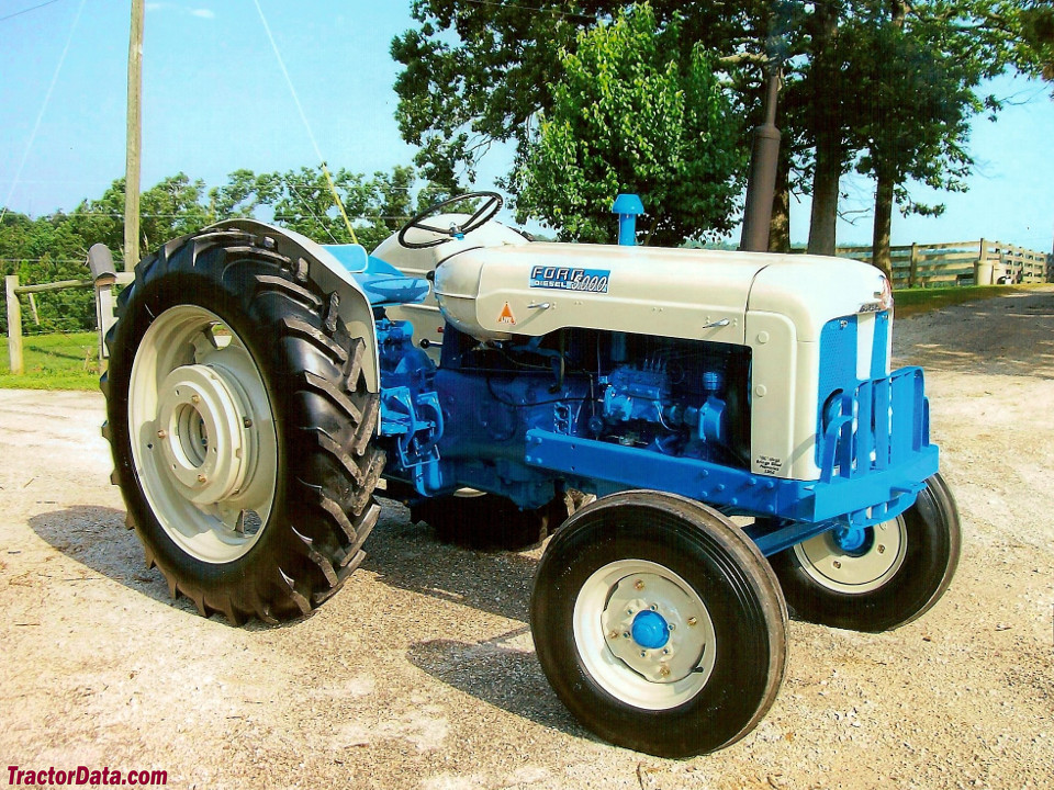 Ford 5000 Diesel, right side