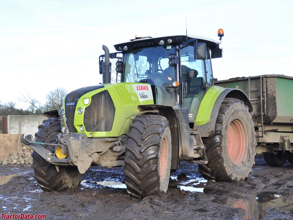 Claas Arion 640, front view.