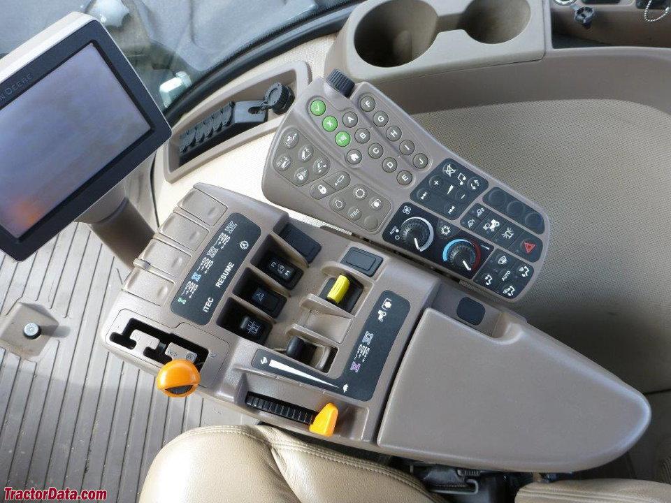 John Deere 9560RT Powershift transmission.