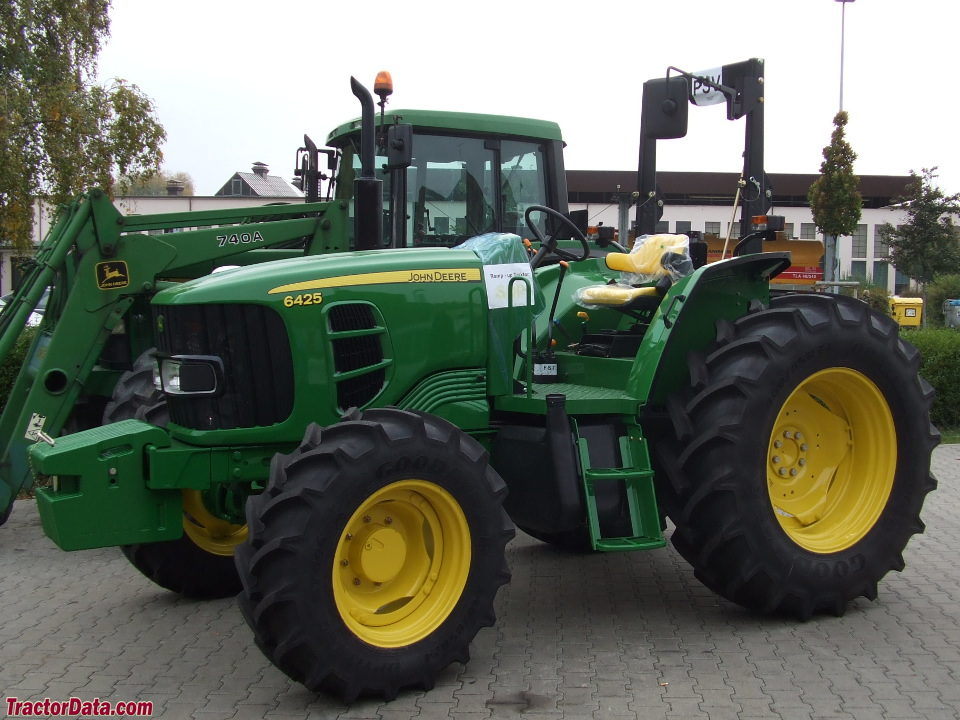 John Deere 6425