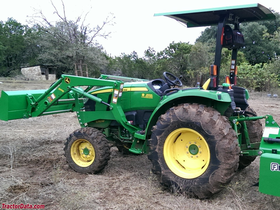 John Deere 4052M, left side.