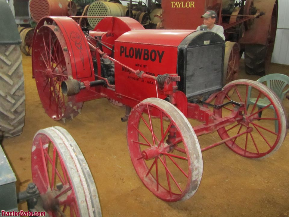 Plow Boy 10-20 tractor (Ken Kass collection).