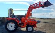 Kubota L1-235 tractor photo