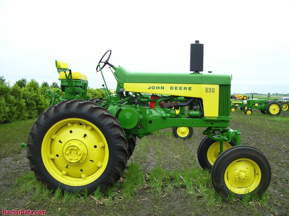 John Deere 630 Hi-Crop