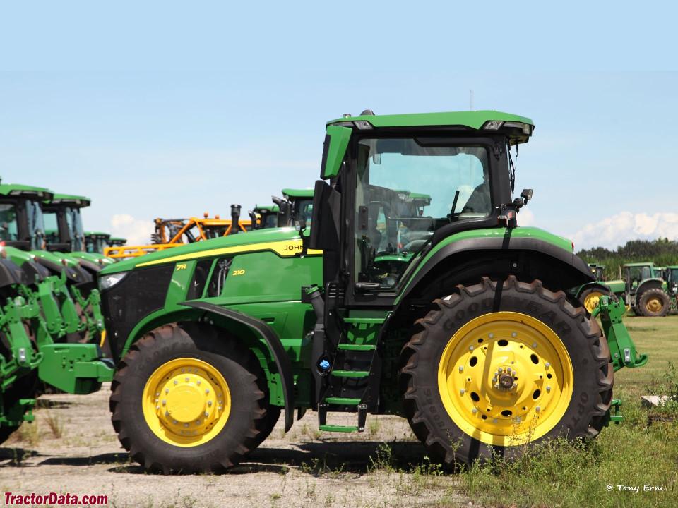John Deere 7R 210