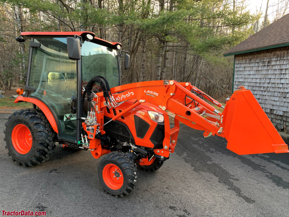 Kubota LX3310 with LA535 front-end loader.